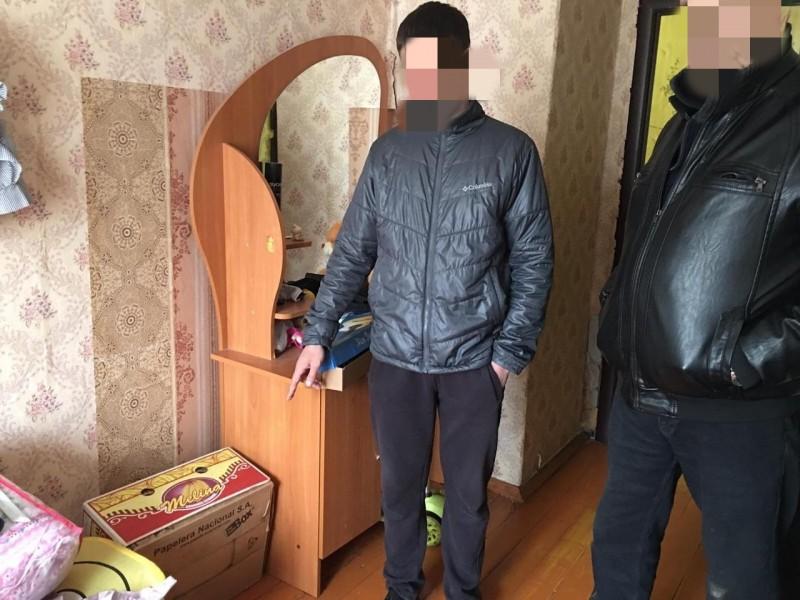 В Тверской области у женщины из квартиры украли украшения