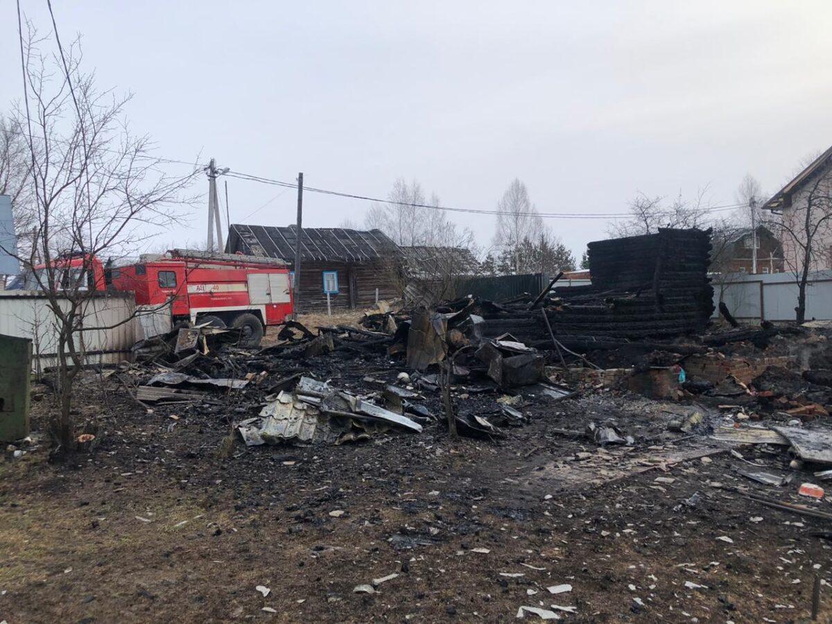 На пожаре в Тверской области погибли два человека