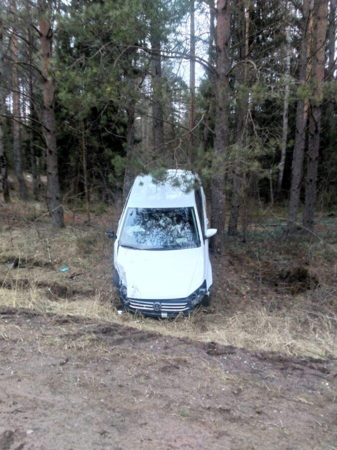 В Тверской области два водителя пострадали при столкновении