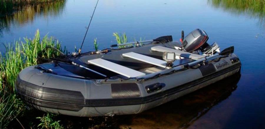 Рецидивист лишил тверского пенсионера надувной лодки с мотором