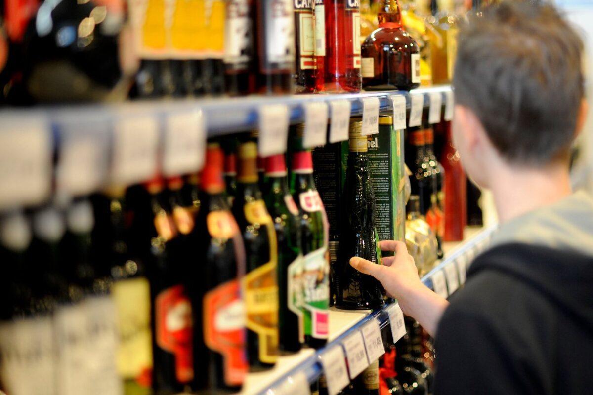 Предприятию, торгующему алкоголем в Тверской области, наказание не смягчили