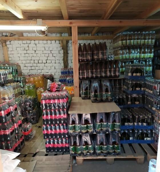 В Твери полицейские накрыли подпольный склад с алкоголем и табаком