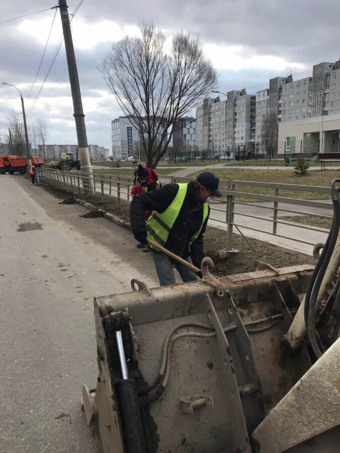В Твери продолжают заливать улицы литым асфальтобетоном