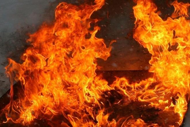 Из-за печи в Тверской области вспыхнула баня