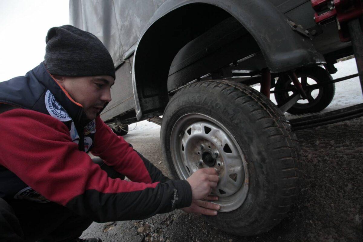 В Твери машина пенсионера осталась без колес
