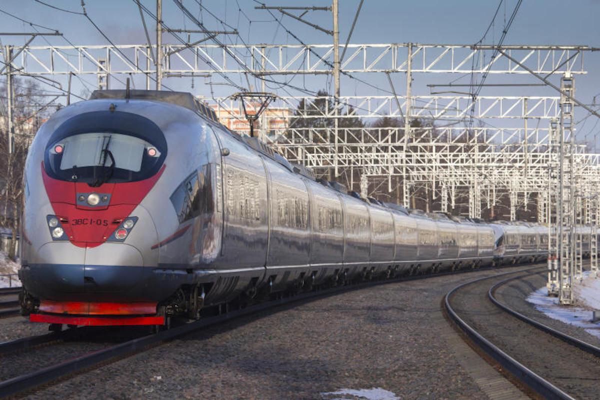 """Отменяются поезда дальнего следования и """"Сапсаны"""", идущие через Тверскую область"""