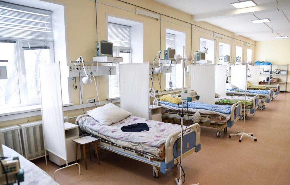 Для лечения пациентов с коронавирусом в Тверской области создадут более 1300 коек