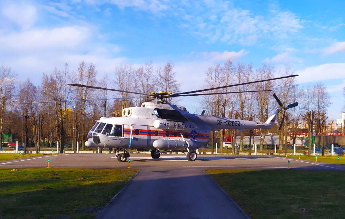 Вертолет доставил детей из двух районов Тверской области в клиническую больницу