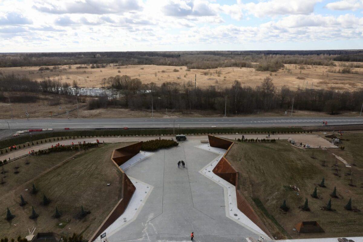 На Ржевском мемориале в Тверской области посадили деревья