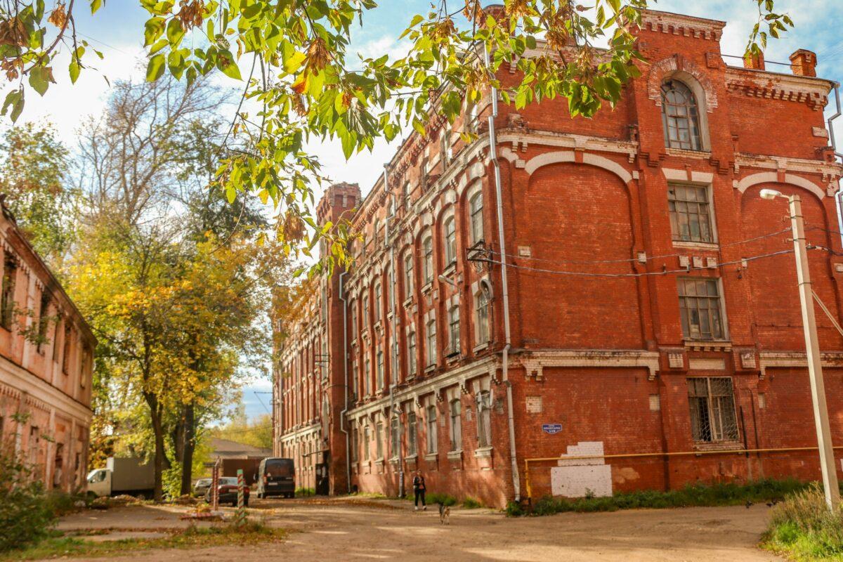 Шесть домов Морозовского городка в Твери признали аварийными