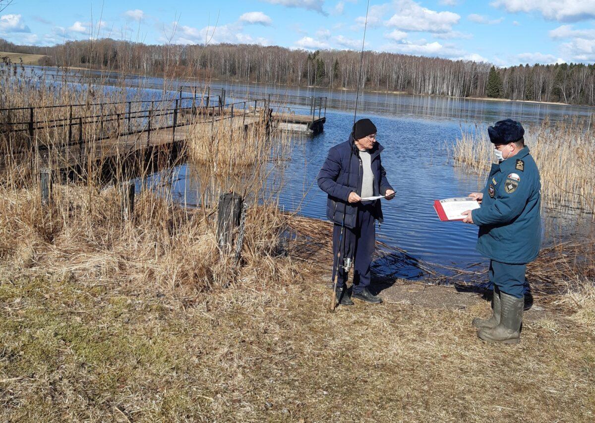 Инспекторы ГИМС ищут рыбаков и отдыхающих на водоемах Тверской области
