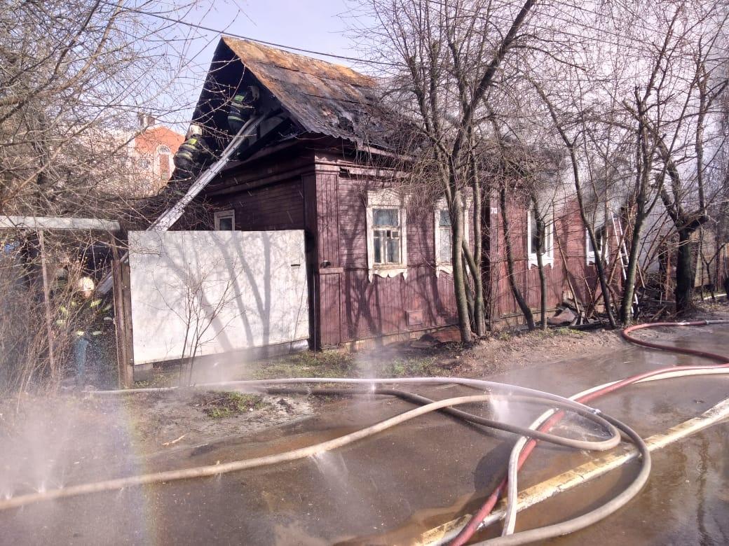Опубликовано фото с места пожара в Твери, где погиб мужчина