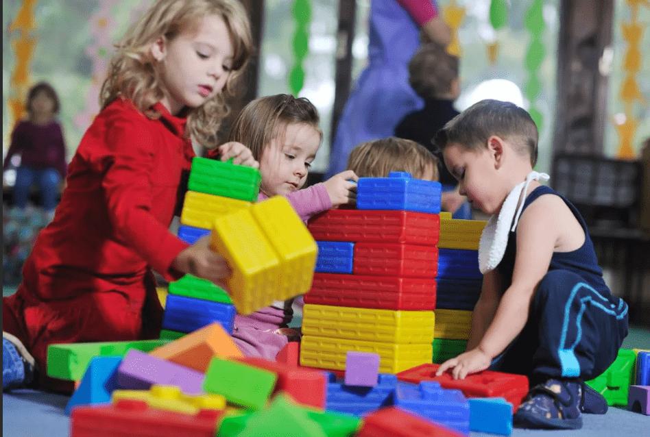 Губернатор назвал условия нормальной работы детсадов и школ Тверской области