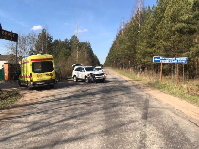 В Тверской области водитель пострадал при столкновении двух машин