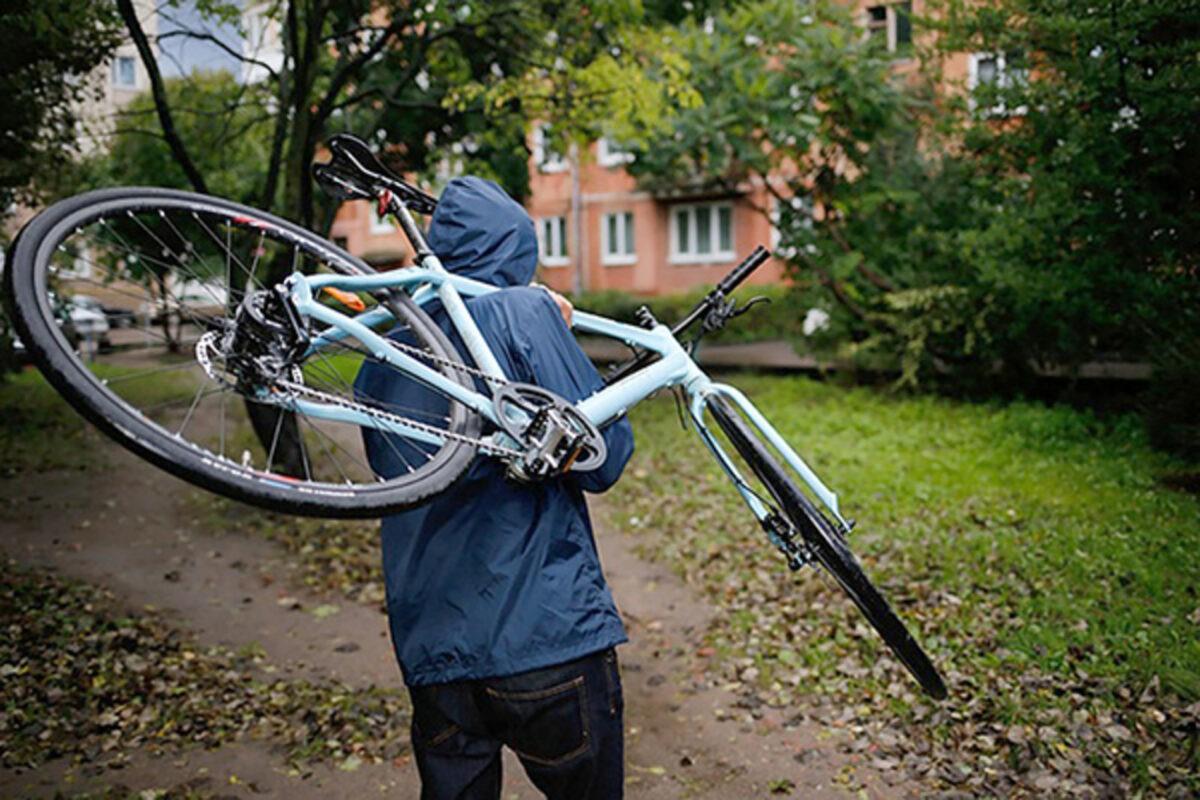 В Тверской области мужчине вернули украденный из подъезда велосипед