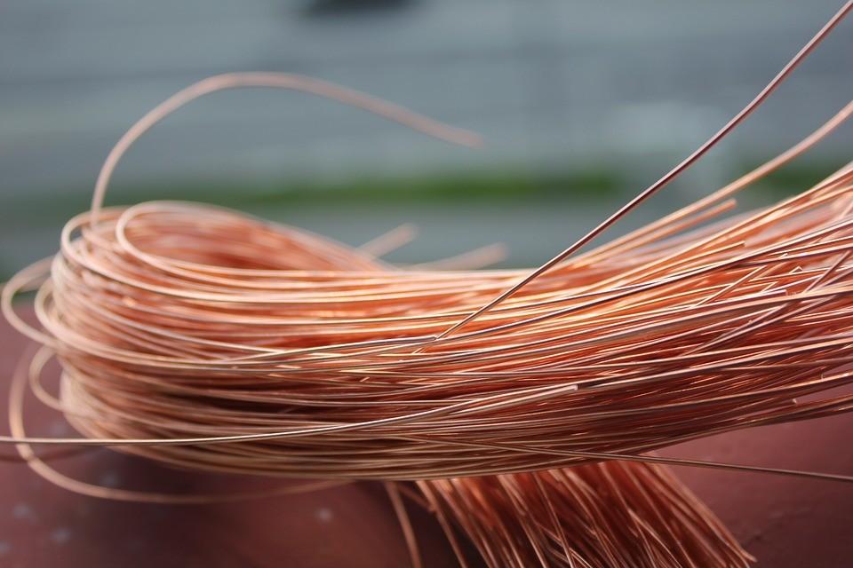 Парень украл со склада в Тверской области 34 метра кабеля