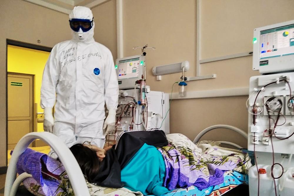 Жители всей страны комментируют фильм о COVID-19, снятый в тверской областной больнице