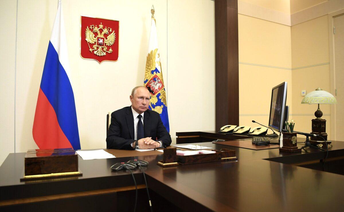 Более 2,5 тысяч медиков Тверской области получили стимулирующие доплаты