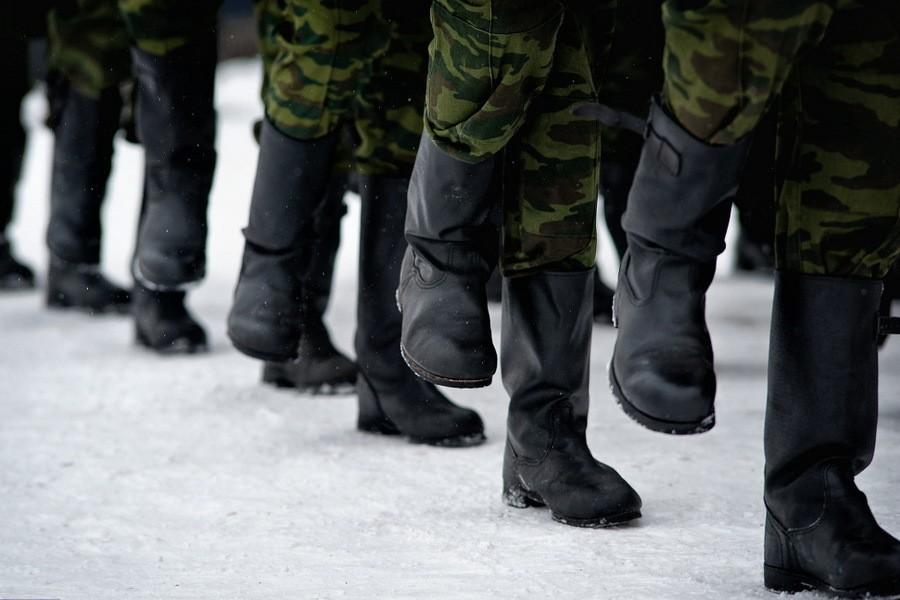 Солдат, вымогавший деньги у сослуживцев в Тверской области, отделался штрафом