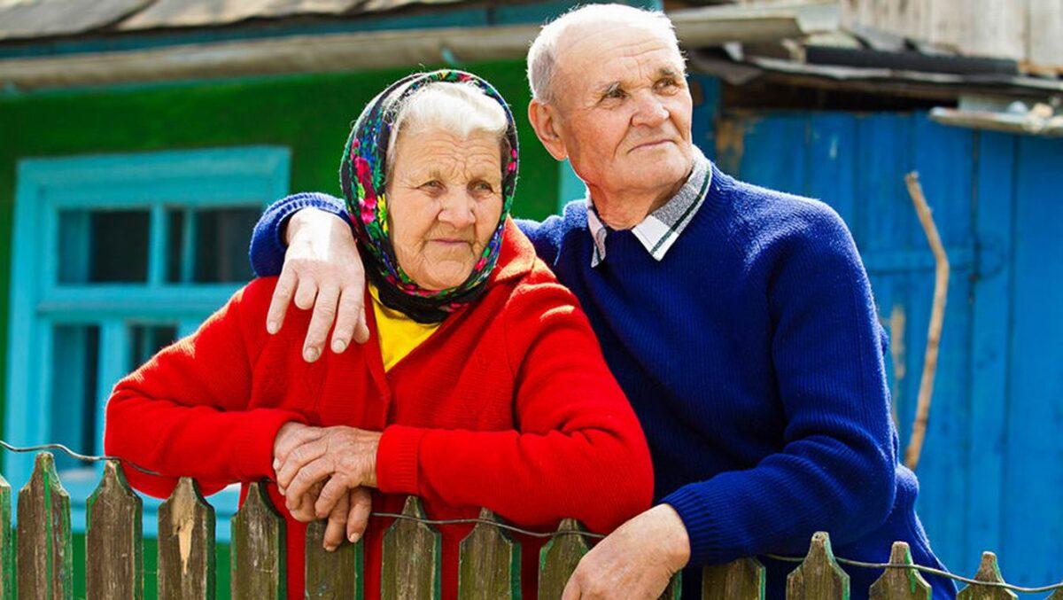 ОПФР по Тверской области разъяснил сельским пенсионерам, как получить прибавку к пенсии