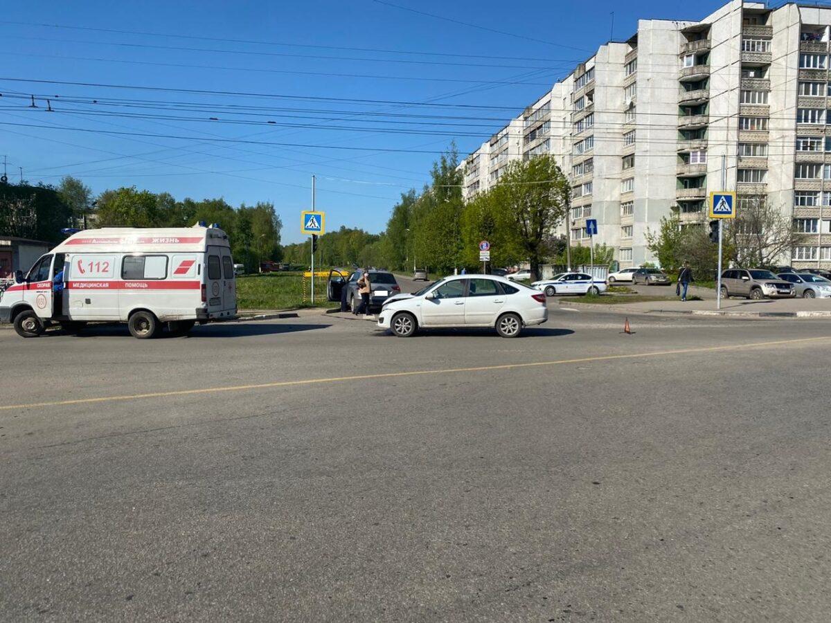 Двое водителей не поделили перекрёсток в Твери