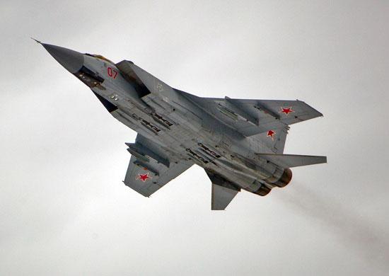 На авиабазе в Тверской области загорелся истребитель МиГ-31