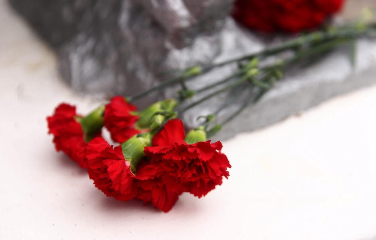 Губернатор Тверской области почтил память погибших воинов