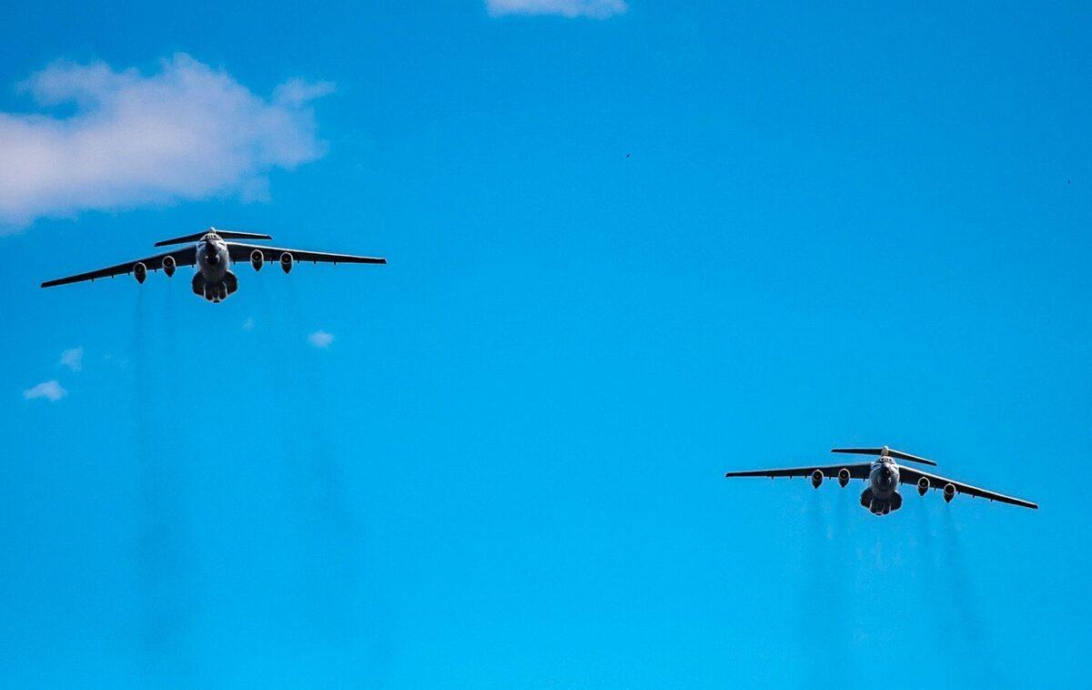 Тверские летчики опубликовали эксклюзивные фотографии с Парада Победы