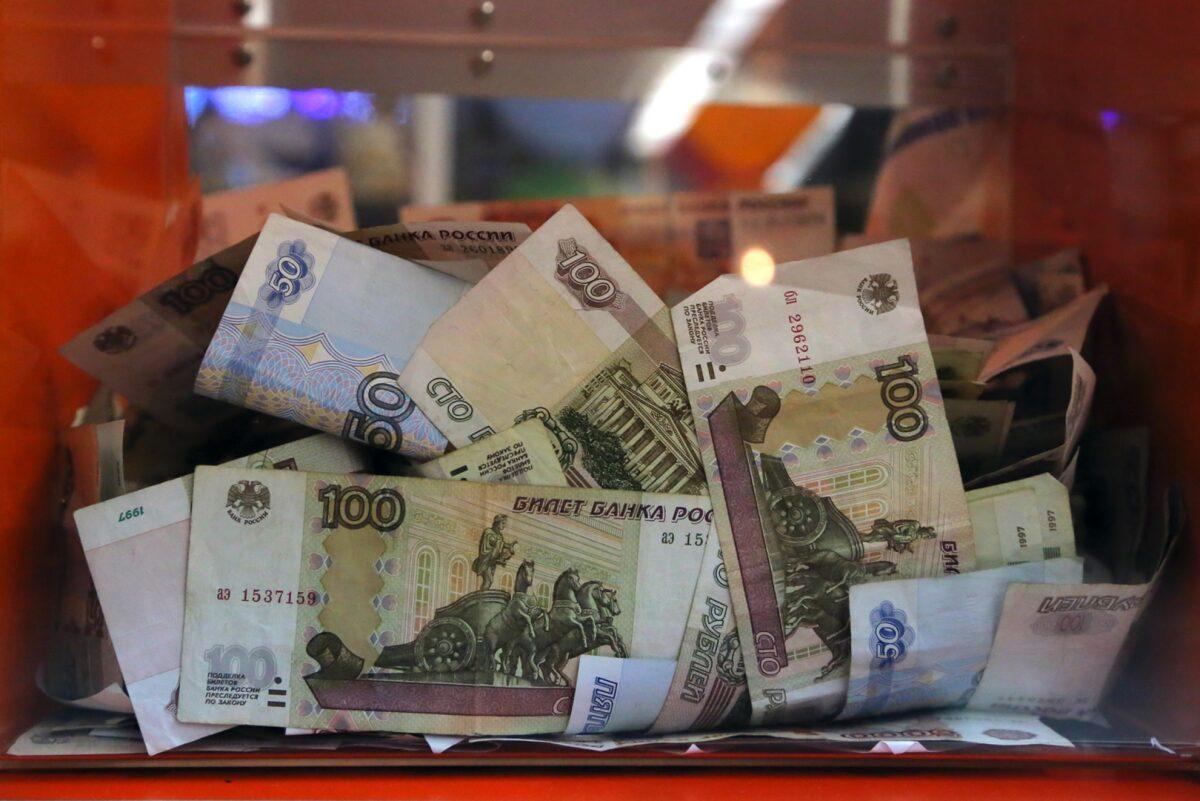 Грабитель-рецидивист украл ящик для пожертвований в Тверской области