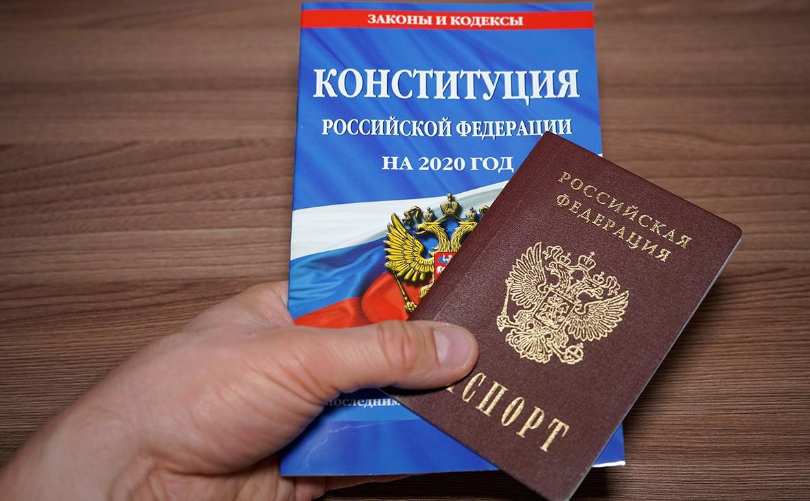 Жителям Тверской области рассказали, как проголосовать по поправкам к Конституции РФ на избирательном участке