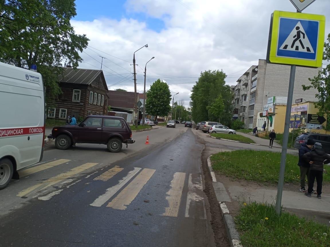 Трезвый водитель сбил пожилую женщину в Тверской области