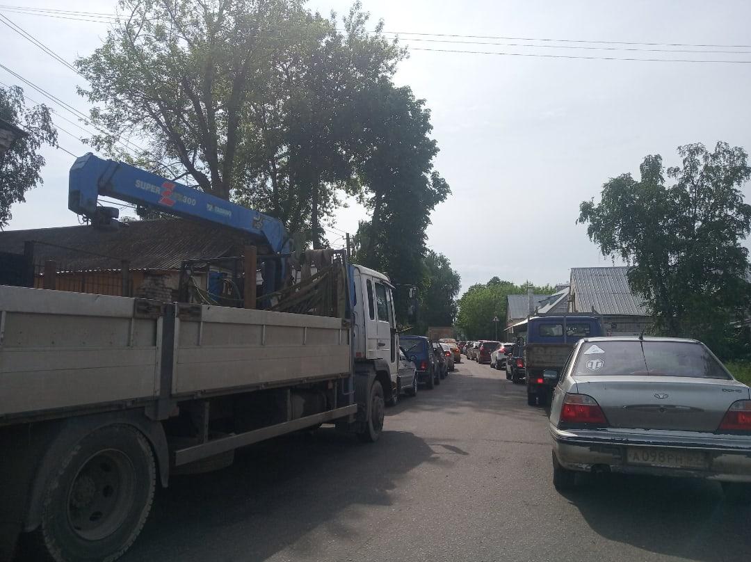 Затверечье встало в пробках: в Твери закрыли полосу в Третьяковском переулке