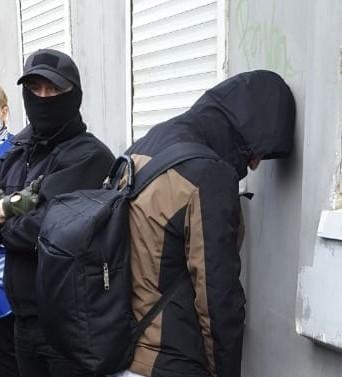 В Тверской области задержали контрабандистов, которые хотели одурманить школьников и студентов