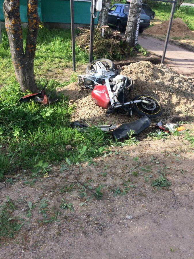 В ДТП в Тверской области пострадали пьяный мотоциклист и пассажир