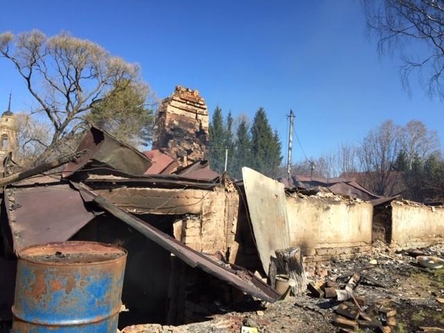 Из ревности женщина спалила дом бывшего мужа в Тверской области