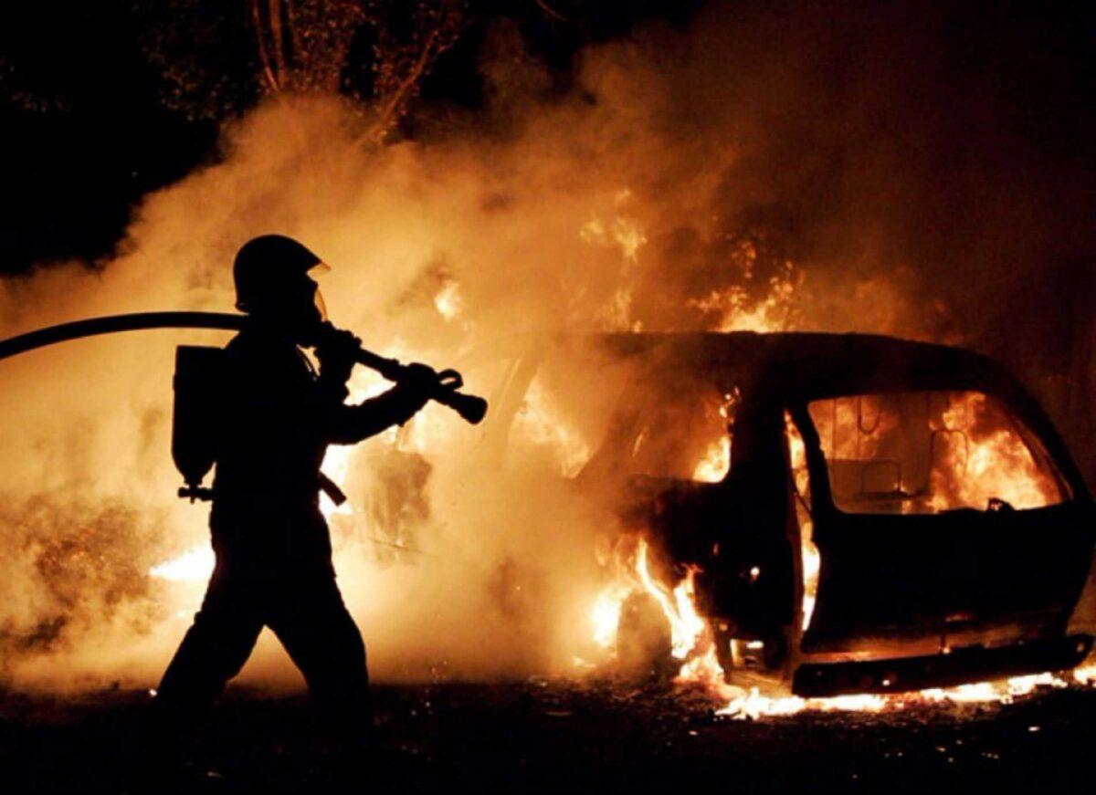 В Тверской области сгорел автомобиль, один человек получил травмы