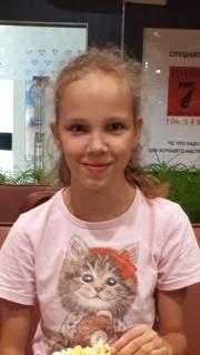 В Твери пропала 13-летняя девочка в светлой футболке