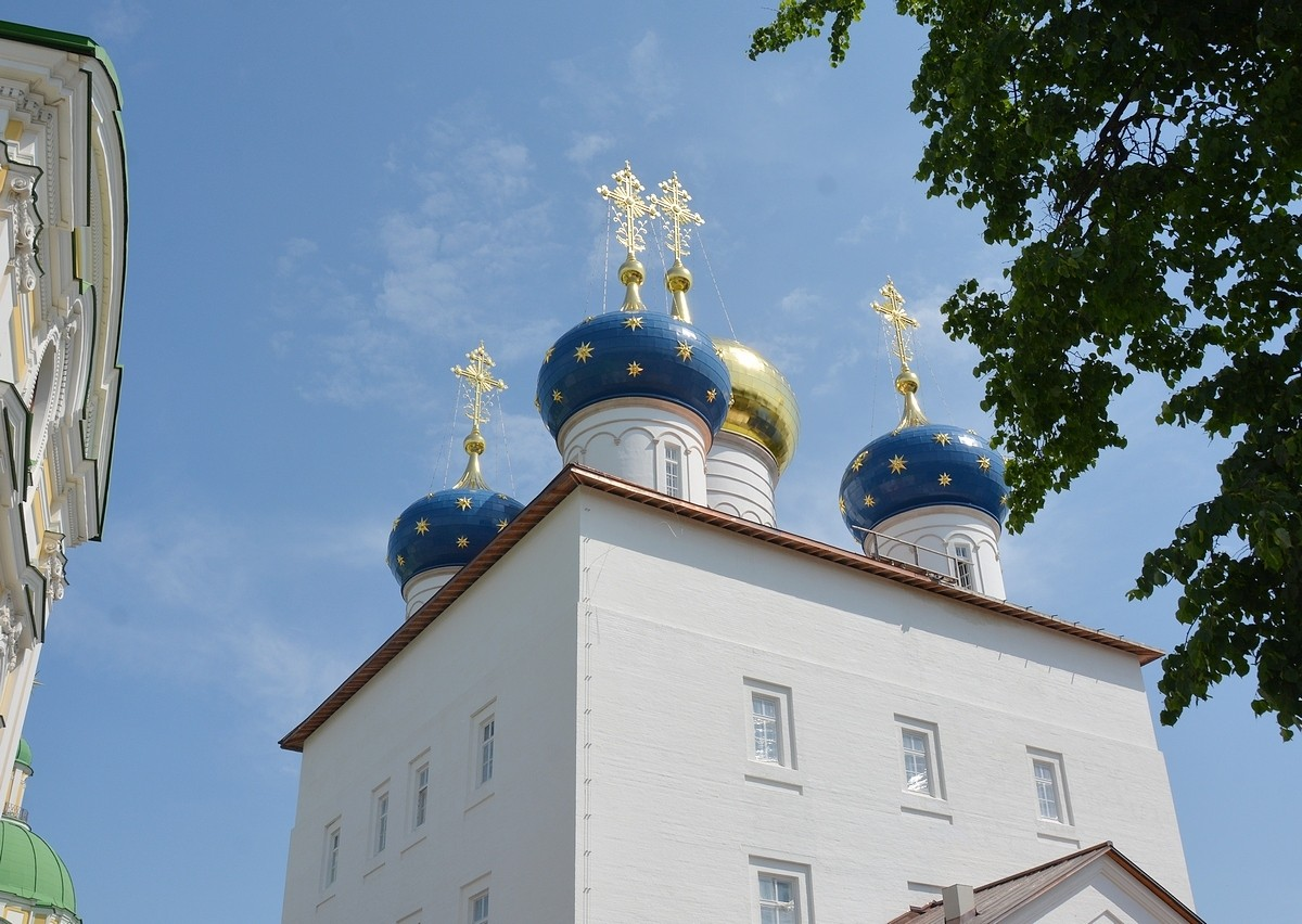 В Спасо-Преображенском соборе Твери начались службы