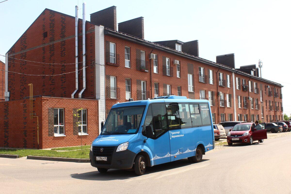 Новый автобусный маршрут связал с Тверью 700 семей Калининского района