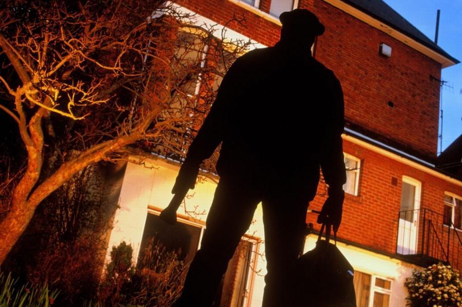 В Тверской области вор вернул хозяйке все похищенное имущество