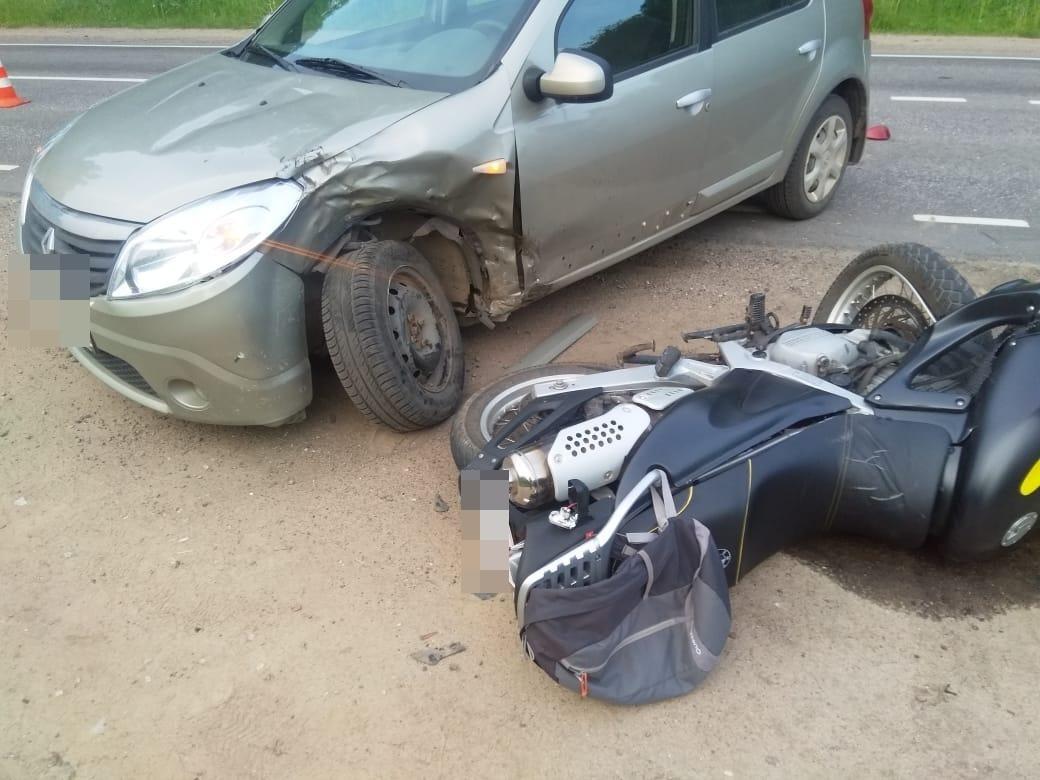 В Тверской области из-за неудачного обгона погиб мотоциклист