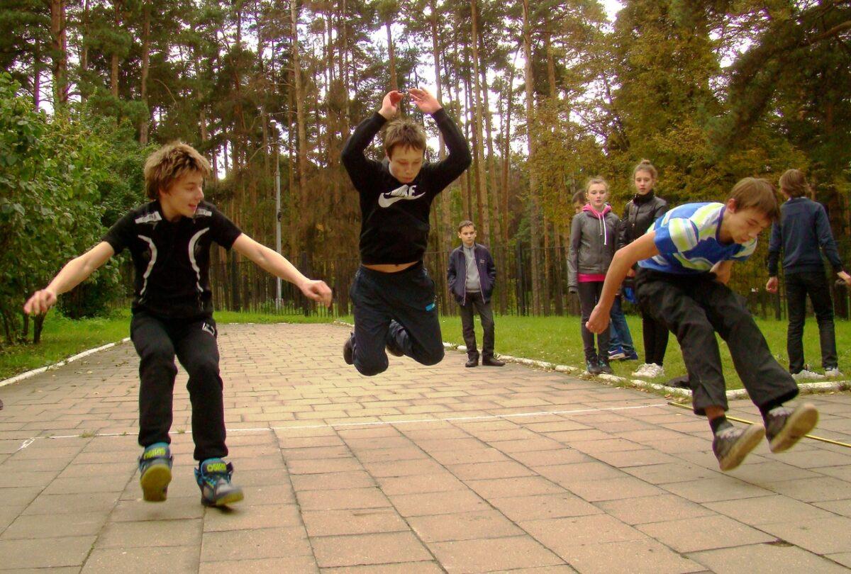 В Тверской области назвали имена чемпионов по прыжкам в длину с места