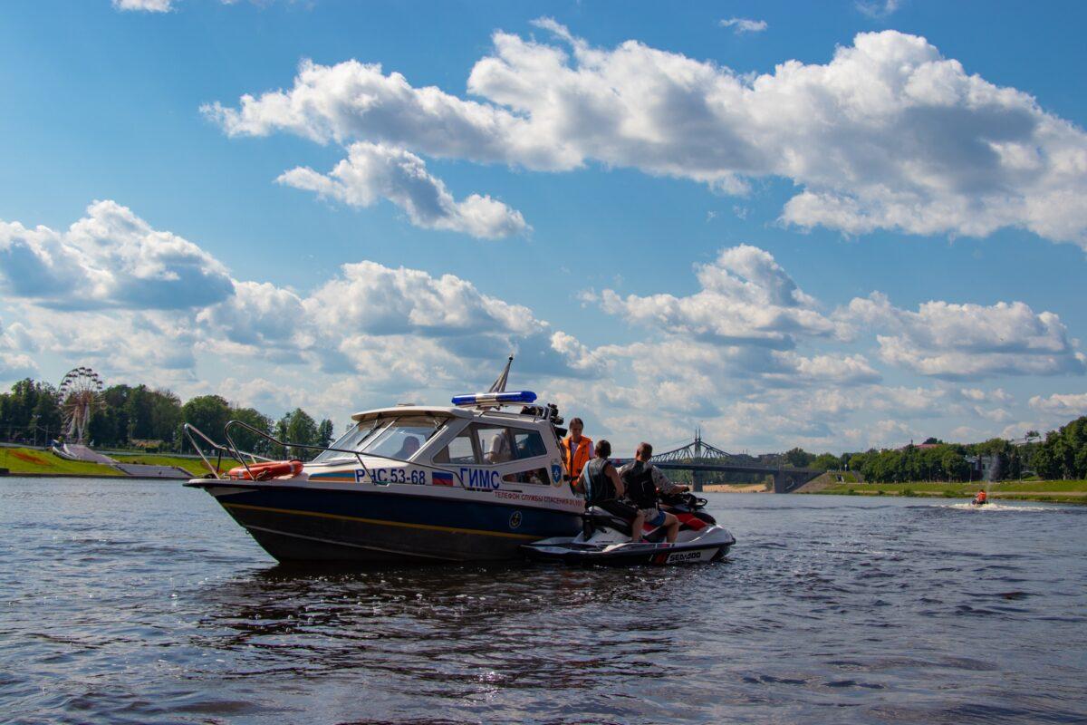 Спасатели Тверской области ежедневно следят за безопасностью на реках