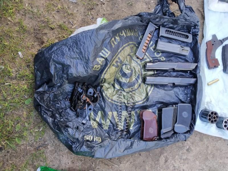 Житель Тверской области хранил дома оружие и больше 500 патронов