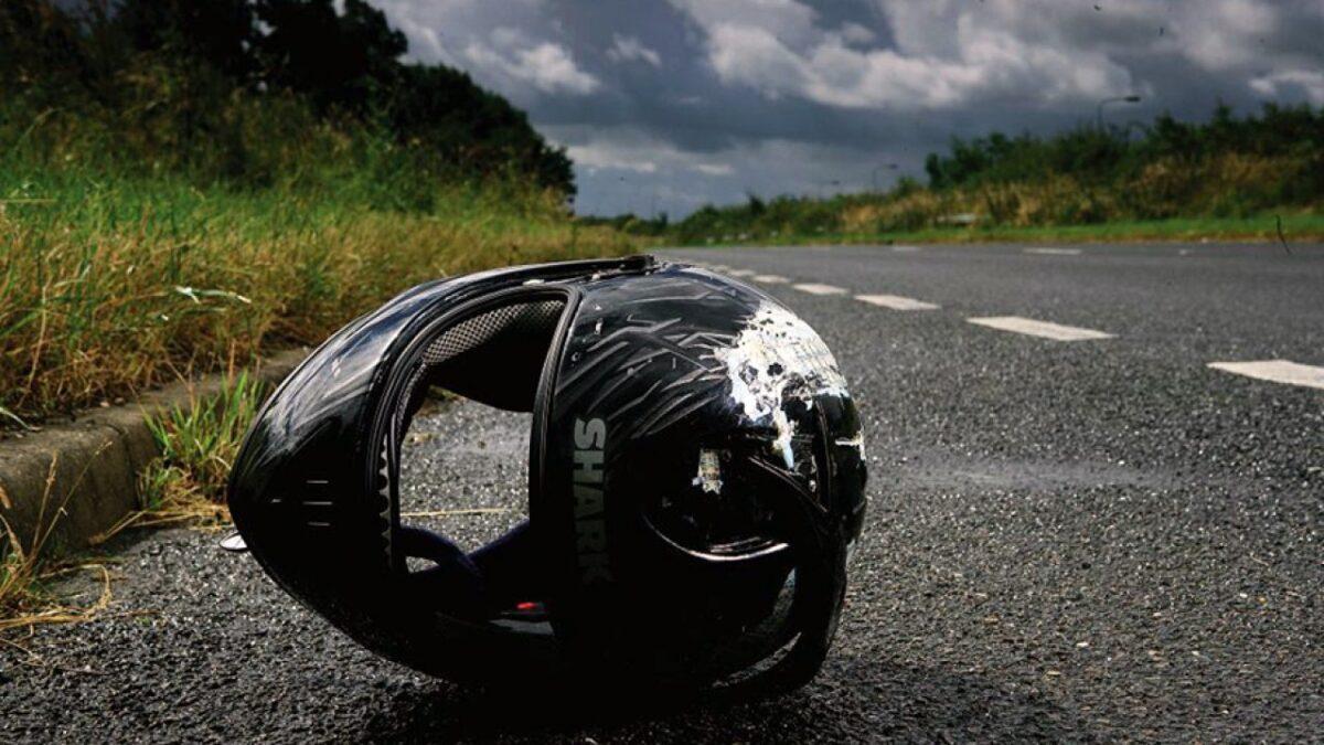 Спешащая женщина-водитель столкнулась с мотоциклистом в Твери