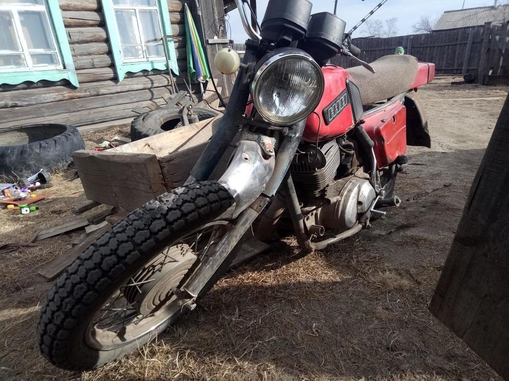В Тверской области перевернулся мотоцикл без госномера
