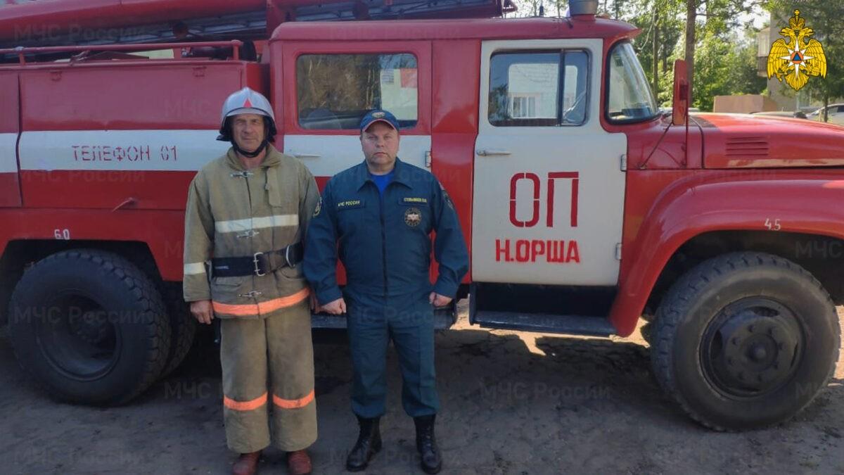 Пожарные спасли мужчину в посёлке под Тверью