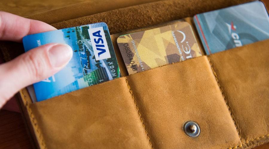 Малознакомая собутыльница украла банковскую карту тверитянина