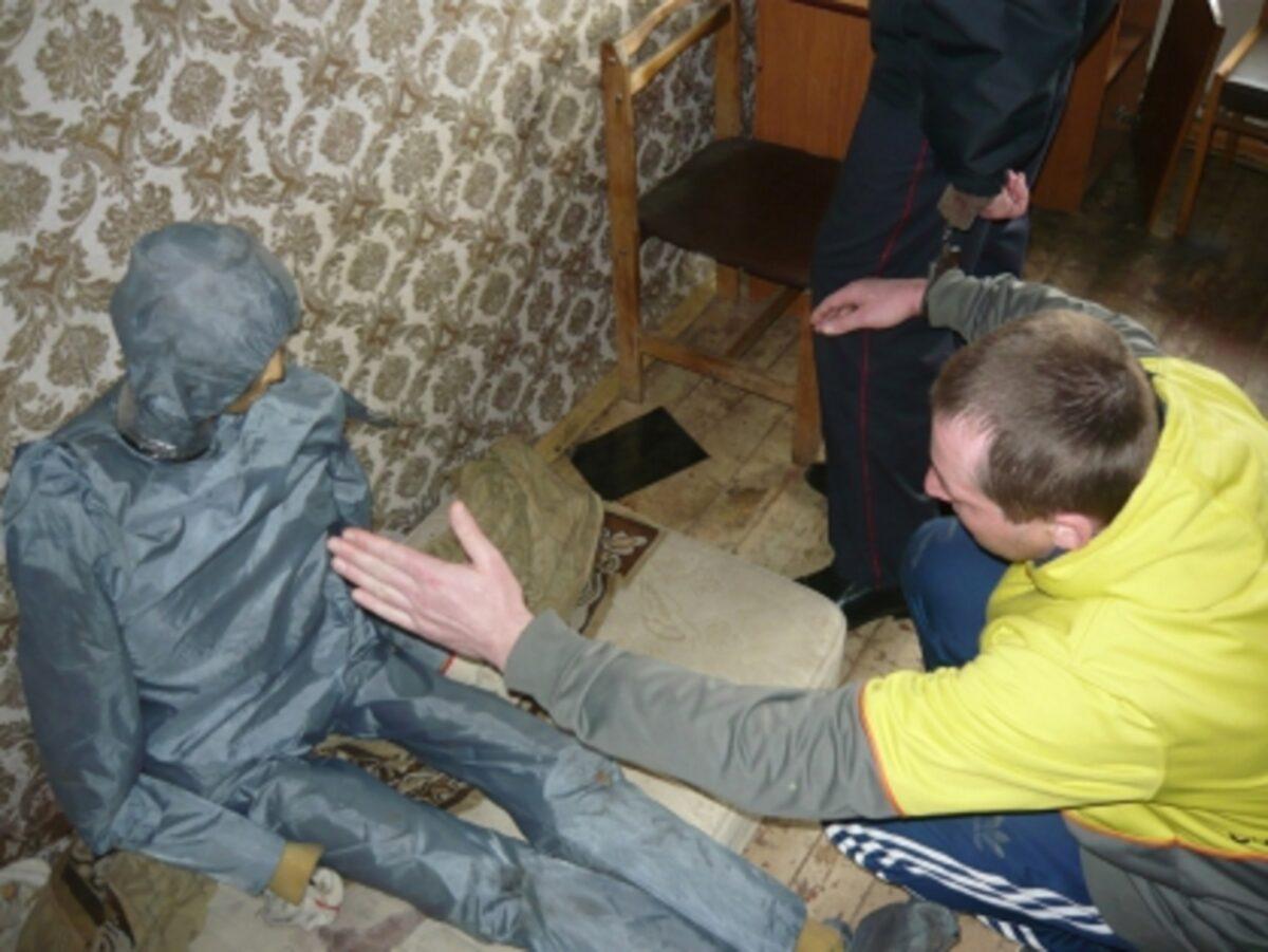 Два жителя Твери до смерти избили собутыльника и сбросили тело из окна