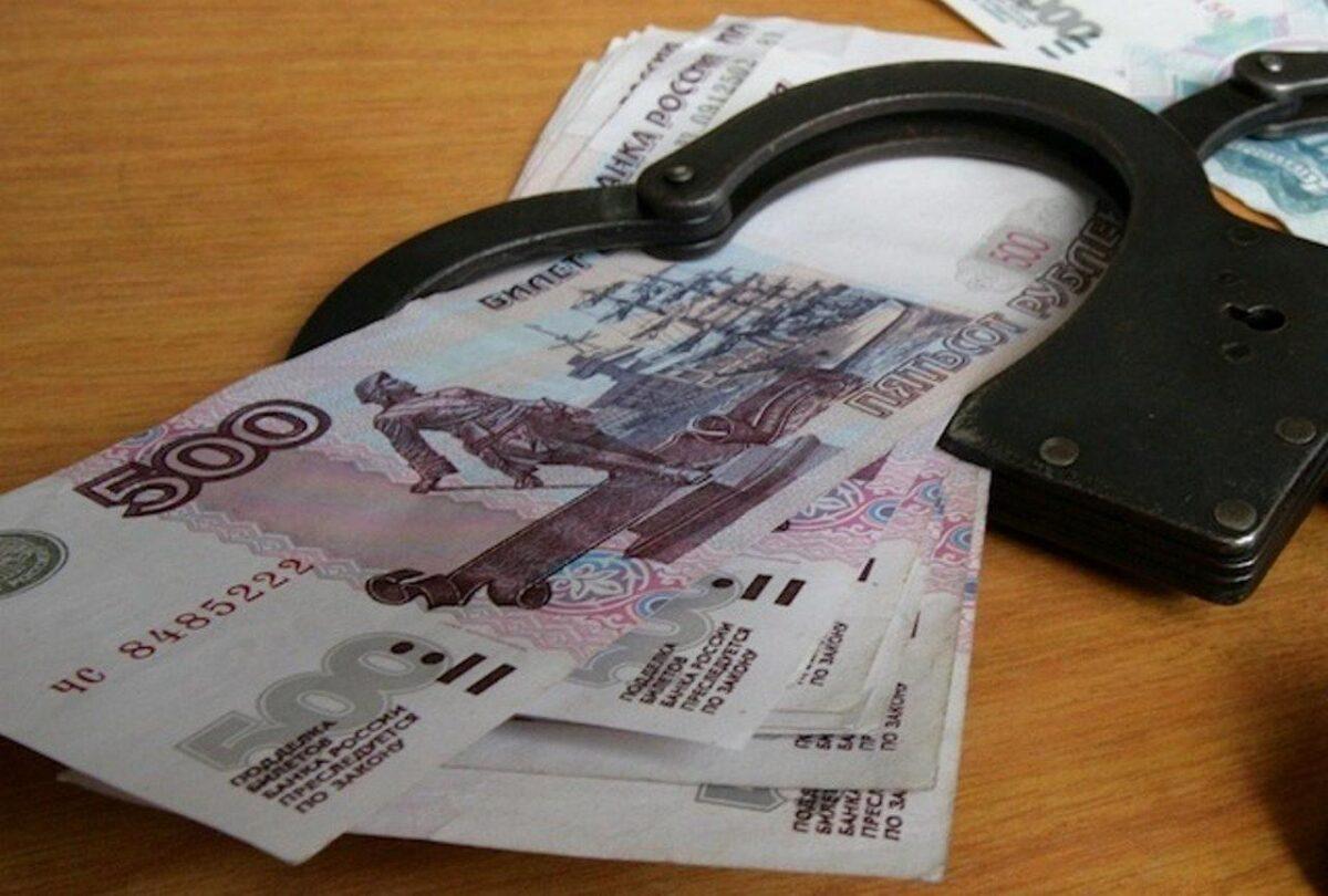 Узбек-нарушитель пытался дать полицейскому взятку в Тверской области